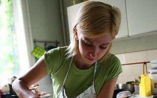 Dosar Eva. 10 vedete care adoră să gătească. Vezi ce ar face la MasterChef!