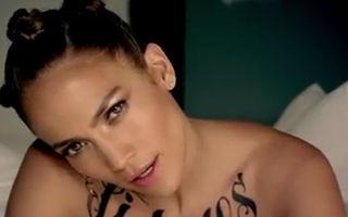 Sexy la 42 de ani: J Lo, topless şi tatuată în noul videoclip