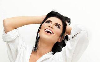 Ellie White, un zâmbet perfect. Vezi cum are grijă de dantură!