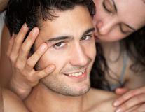 Horoscop: Cum să-l săruţi în funcţie de zodia lui ca să-l seduci definitiv