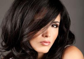 Frumuseţea ta: Cum să-ţi ondulezi părul fără căldură. Descoperă trucurile!
