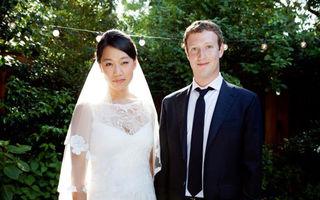 Creatorul Facebook s-a căsătorit
