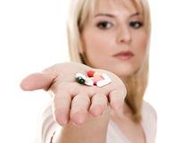 Efectul  nedorit al vitaminelor: Cum te pot îmbolnăvi suplimentele alimentare