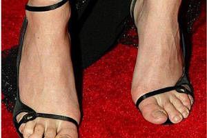 5 vedete sexy cu picioare urâte - FOTO