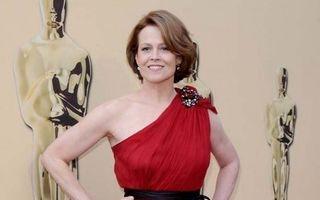 Hollywood: 5 vedete trecute de 60 de ani care sunt supersexy. Minunează-te!