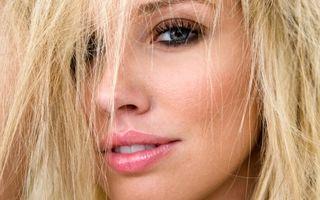 Dragoste şi sex: 5 motive pentru care bărbaţii sunt atraşi de blonde