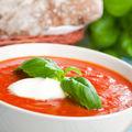 Supă rece de roşii şi avocado