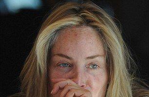 Adevărata față a unui fost sex-simbol: Sharon Stone, obosită și fără machiaj