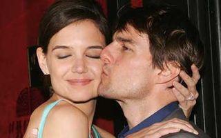 Tom Cruise şi Katie Holmes divorţează!