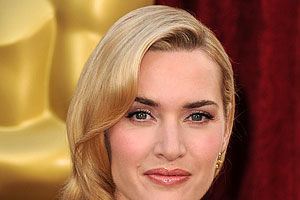 "Kate Winslet: ""Nu am sâni perfecţi"""