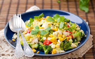 Salată de pui cu rozmarin şi cuşcuş