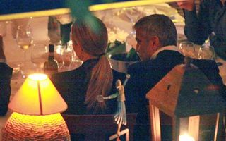George Clooney și iubita lui, o cină toxică