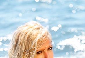 Cu sutien sau fără la plajă? Cum e mai sănătos? Argumente pro şi contra