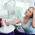 8 sfaturi practice ca să-ți faci răcoare în casă, dacă n-ai aer condiționat