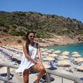 Mirela Stelea s-a relaxat în Creta urmând terapia cu lumini