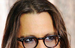 Johnny Depp colecţionează păpuşi făcute după celebrităţi