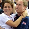 Prinţul William şi Kate Middleton, îmbrăţişaţi la Olimpiadă - VIDEO
