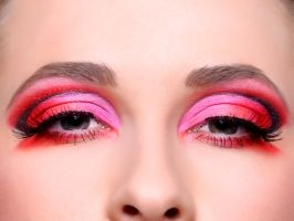 7 trucuri de înfrumuseţare pe care bărbaţii le urăsc la femei