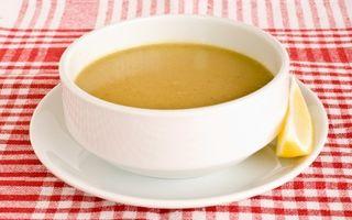 Supă cremă de linte roşie