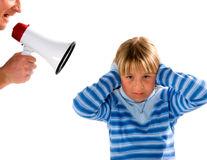 Frica de microbi a părinţilor şi refuzul micilor plăceri ale copiilor