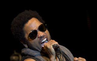 Concertul lui Lenny Kravitz la Bucureşti, amânat pentru 2013