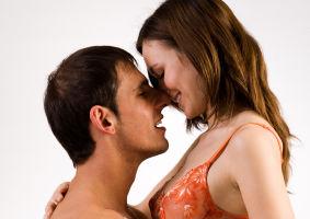 5 poziţii sexuale care îţi oferă o noapte plină de plăcere
