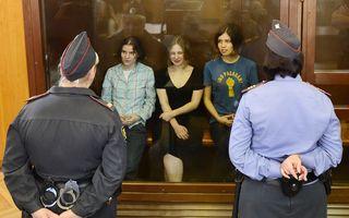Două membre ale trupei Pussy Riot au fugit din Rusia