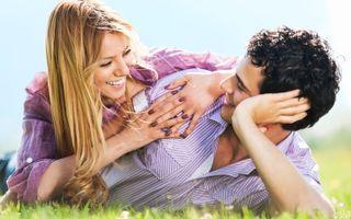Relaţia ta: 6 semne că şi el te iubeşte la fel de mult. Descoperă-le!