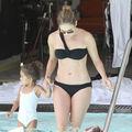 Jennifer Lopez la piscină: siluetă perfectă - FOTO