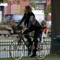Gisele Bundchen a uitat de maternitate: E gravidă, dar merge pe bicicletă!