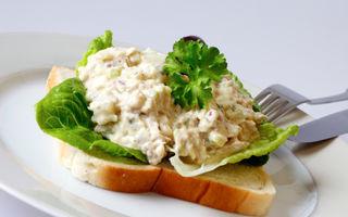 Salată cu ciuperci şi avocado
