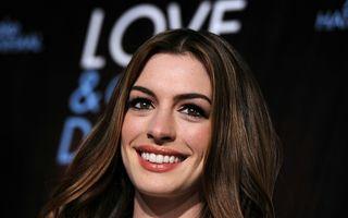 Anne Hathaway s-a măritat cu Adam Shulman - FOTO