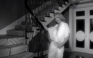 Kylie Minogue, filmată cu fundul gol