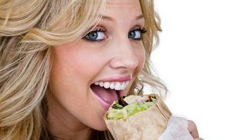 7 reguli pe care trebuie să le respecţi atunci când mănânci