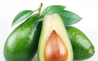 Avocado, fructul care-ţi face pielea catifelată. Cum să-l mănânci