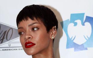 Rihanna s-a luat de fosta iubită a lui Chris Brown