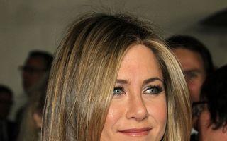"""Jennifer Aniston: """"Zâmbetul mă menţine slabă"""""""