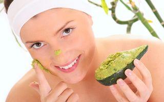 Uleiul de avocado are grijă de pielea ta. 5 idei să-l foloseşti