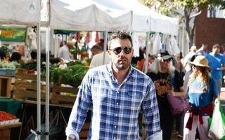 Ben Affleck, la piaţă cu fetiţele lui - FOTO