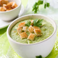 Supă cremă de broccoli