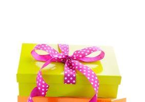 Cum să economiseşti bani pentru cadourile de Crăciun