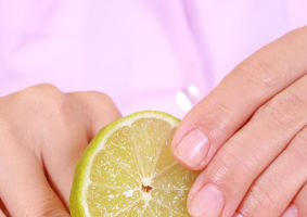 Frumuseţea ta: 5 trucuri care te ajută să ai unghii puternice