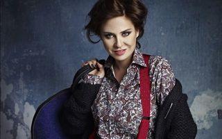 Modă: Adina Buzatu te învaţă cum să-ţi îmbraci iubitul de Sărbători