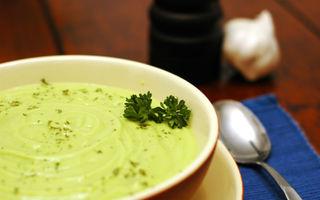 Supă-cremă de avocado
