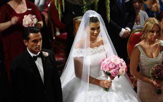 Nunțile anului. Vezi ce vedete și-au pus pirostriile în 2012!