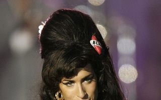 Amy Winehouse a murit accidental