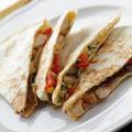 Reţetă mexicană: Quesadillas cu piept de pui la grătar