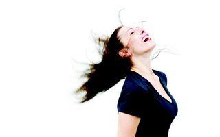 Frumuseţea ta: 5 sfaturi ca să-ţi faci părul să crească mai repede