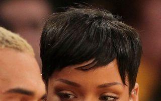Rihanna s-a împăcat cu Chris Brown