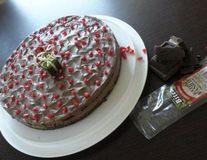Tort mousse de ciocolata, cafea si praline